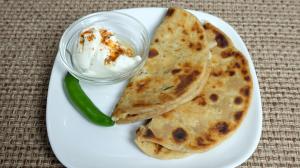 Mooli ka Paratha (Punjabi Mooli Flat Bread) Recipe by Manjula