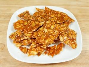 Almond Brittle (Almond Chikki)