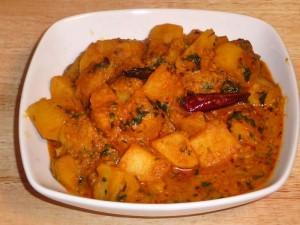 Aloo Dum (Potato Curry)