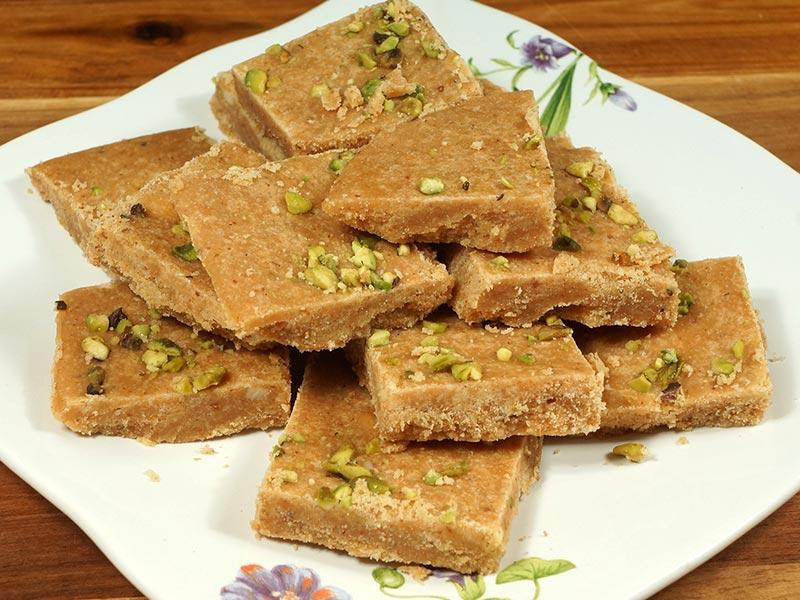 Besan Ki Burfi (Gram Flour Fudge)