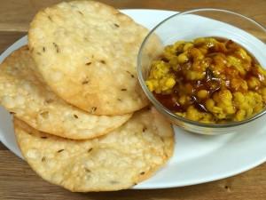Dal Pakwan (Sindhi Breakfast)