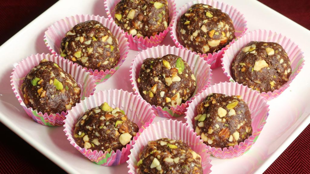 Date and Nut Ladoo (Healthy Indian Candy) Recipe by Manjula