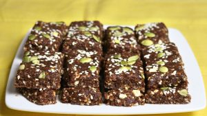 Dates and Nuts Bar