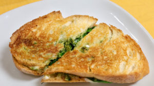 Grilled Caprese Sandwich (Veggie Sandwich With Pesto)