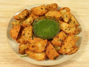 Kalmi Vada (Fried Lentil Patties)