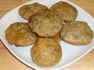Mattar Ke Kachori (Spicy Puff Pastry)