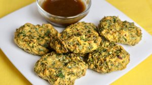 Palak Pakora (Crispy Spinach Fritters)