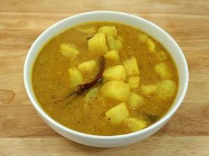 Potato in Coconut Gravy