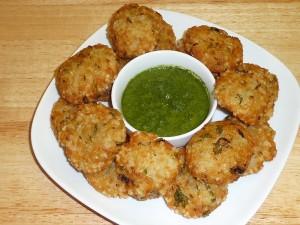 Sabudana Vada (Fried Dumplings of Potatoes and Tapioca)