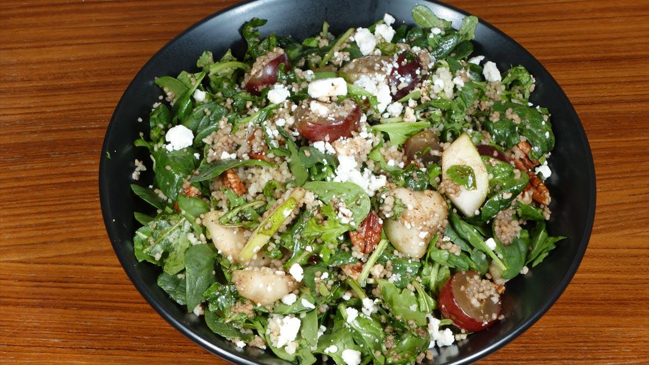 Receta de ensalada de cuscús de espinacas de Manjula