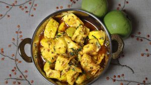 Sweet and Sour Guava Curry