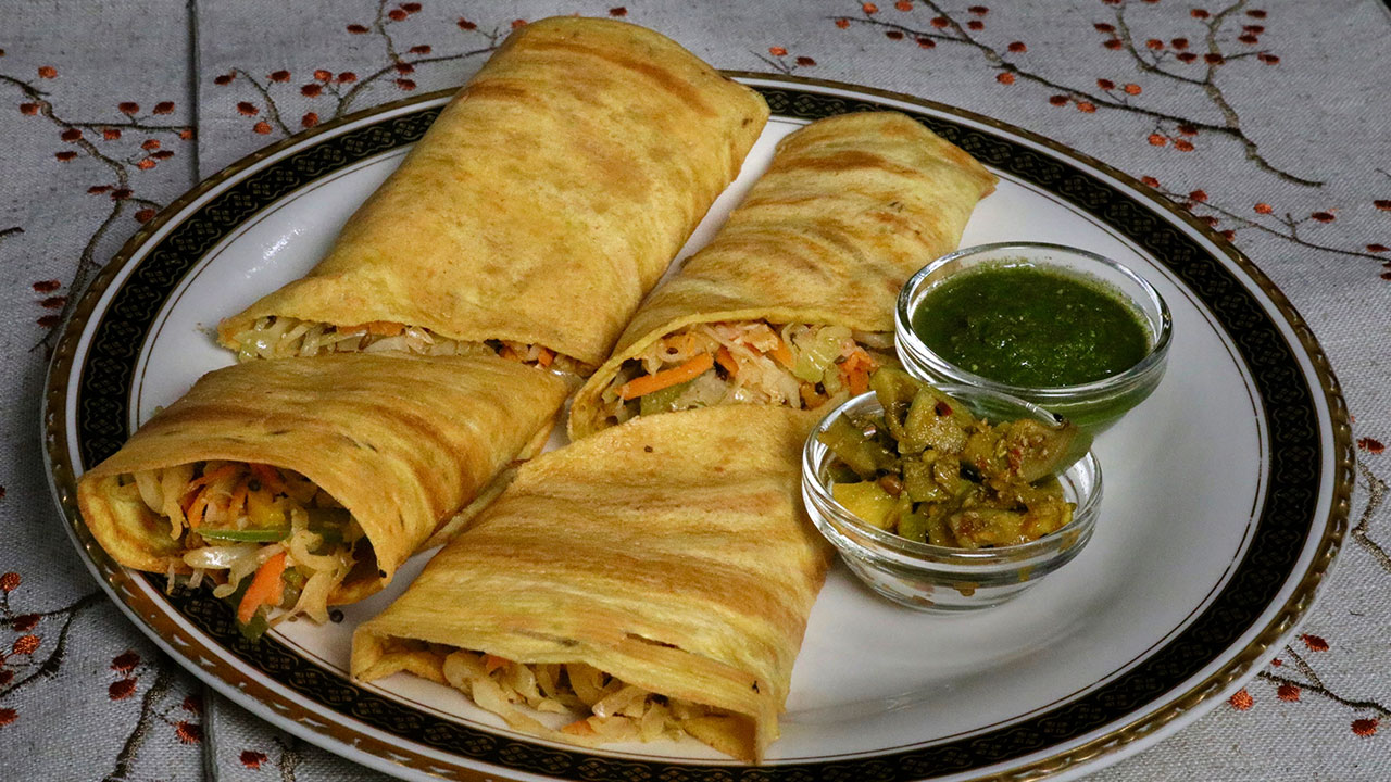 Vegetable Cheela Rolls recipe by Manjula