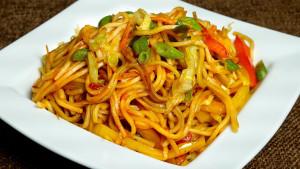 Vegetable Hakka Noodles (Chow Mein)